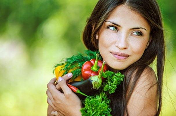 Sağlıklı Saçlara sahip olmak için nasıl beslenmeliyiz?