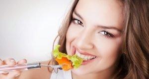 Sağlıklı Saçlara Sahip Olmak İçin Nasıl Beslenmeliyiz?