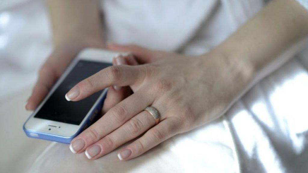 evliliğinizi renklendirmek için aynı evin içinde mesajlaşın