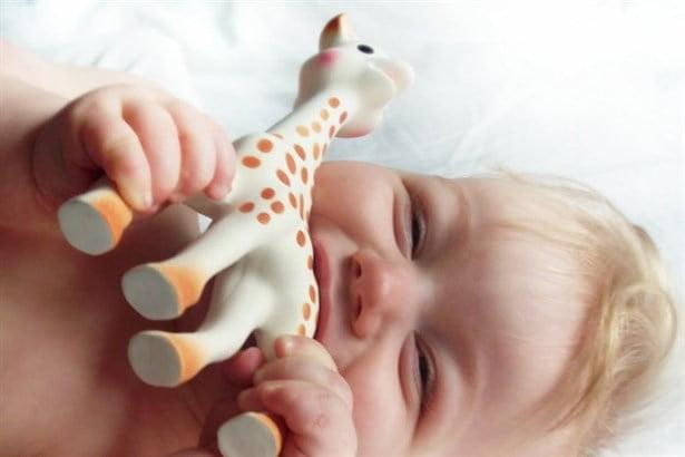 bebek-bakım-cantasında-olması-gerekenler